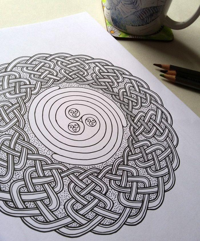 Celtic Knotwork Colouring Book